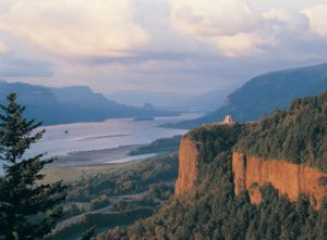 Columbia_River_Gorge-Photo_by_Larry_GeddisA5B3A5EDA5F3A5D3A5A2C0EEB7CCC3AB-thumbnail2