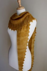 Jagged Triangular Scarf Side